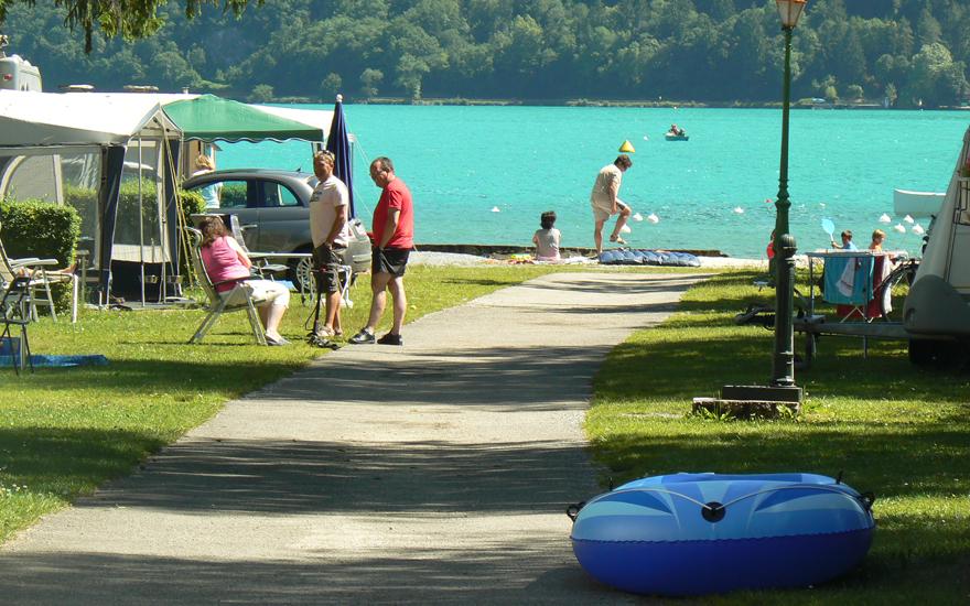 Le lac d'Annecy et son camping du lac bleu